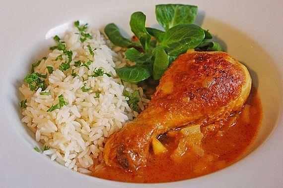 Hähnchenkeulen mit Curry-Apfelsoße