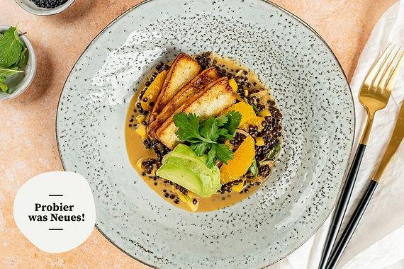Mango-Linsensalat mit mariniertem Tofu