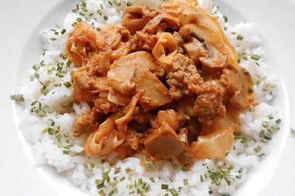 Rezeptbild zum Rezept Spitzkohl-Champignon-Hack-Pfanne mit Reis