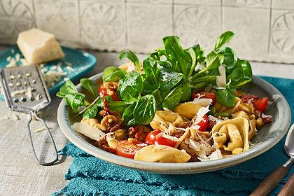 Rezeptbild zum Rezept Tortellinisalat mediterraner Art