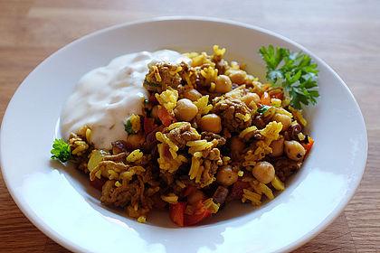 Rezeptbild zum Rezept Hackfleisch-Reis-Pfanne mit Curry, Kichererbsen und Rosinen