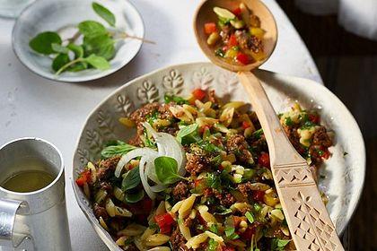 Rezeptbild zum Rezept Kritharaki-Salat mit Hackfleisch