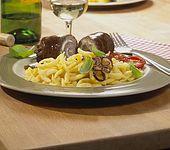 Rinderroulade mit Frischkäse - Kräuterfüllung und Eierspätzle