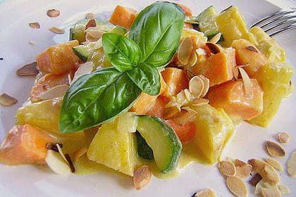 Rezeptbild zum Rezept Süßkartoffelcurry mit karamellisierter Ananas