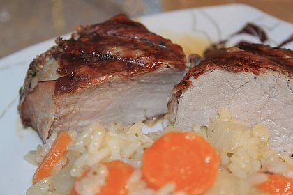 Rezeptbild zum Rezept Schweinefilet mit Salbei und feinen Gewürzen