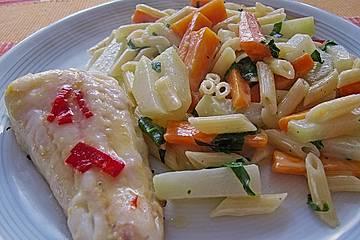 Penne mit Möhren-Kohlrabi-Gemüse und Bärlauchrahm