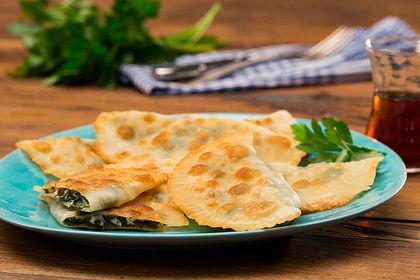 Rezeptbild zum Rezept Teigtaschen aus der Pfanne - Gözleme - Türkei -