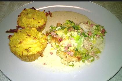Rezeptbild zum Rezept Seelachs mit Porreehaube und Kartoffelmuffins