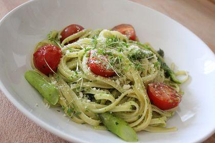 Rezeptbild zum Rezept Sehr aromatische Pasta mit grünem Spargel