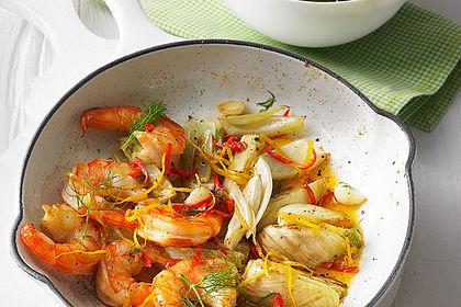Rezeptbild zum Rezept Garnelen-Fenchel-Pfanne mit Buttermilchsalat