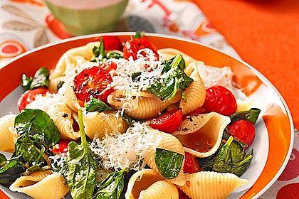 Rezeptbild zum Rezept Tomaten-Spinat-Pasta