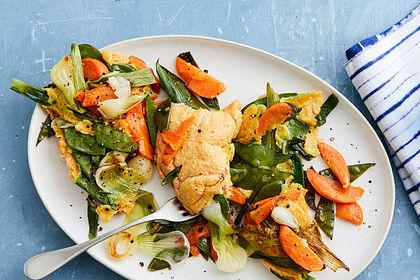 Rezeptbild zum Rezept Luftiger Gemüseschmarren mit Möhren und Zuckerschoten