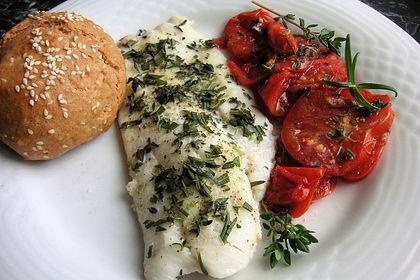 Rezeptbild zum Rezept Gedünsteter Kabeljau auf Tomaten