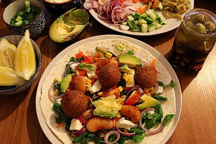 Rezeptbild zum Rezept Falafel-Wrap mit Dattel-Schmand-Dip
