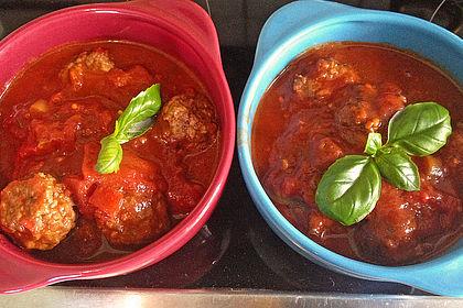 Rezeptbild zum Rezept Rinderhackbällchen in Tomatensoße