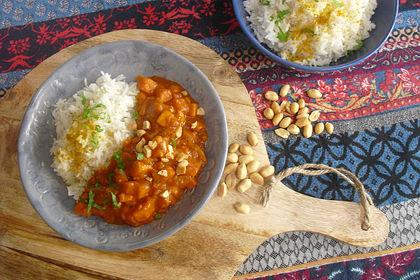 Rezeptbild zum Rezept Süßkartoffel-Curry mit Kokos-Erdnuss-Soße