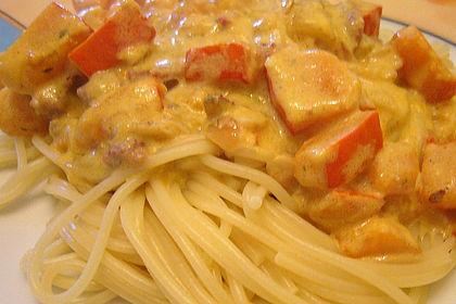Rezeptbild zum Rezept Spaghetti mit Kürbis-Schinken-Frischkäse-Sauce