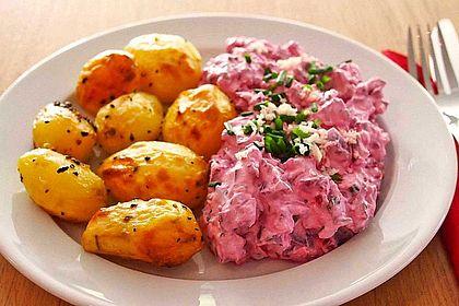 Rezeptbild zum Rezept Ofenkartoffeln mit Rote Bete-Schmand