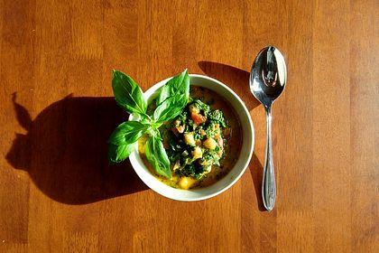 Rezeptbild zum Rezept Spinat mit Kichererbsen in Kokosmilch