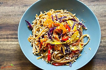 Rezeptbild zum Rezept Pasta mit viel buntem Gemüse