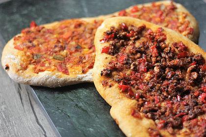 Rezeptbild zum Rezept Vegane türkische Pizza - Sebzeli lahmacun
