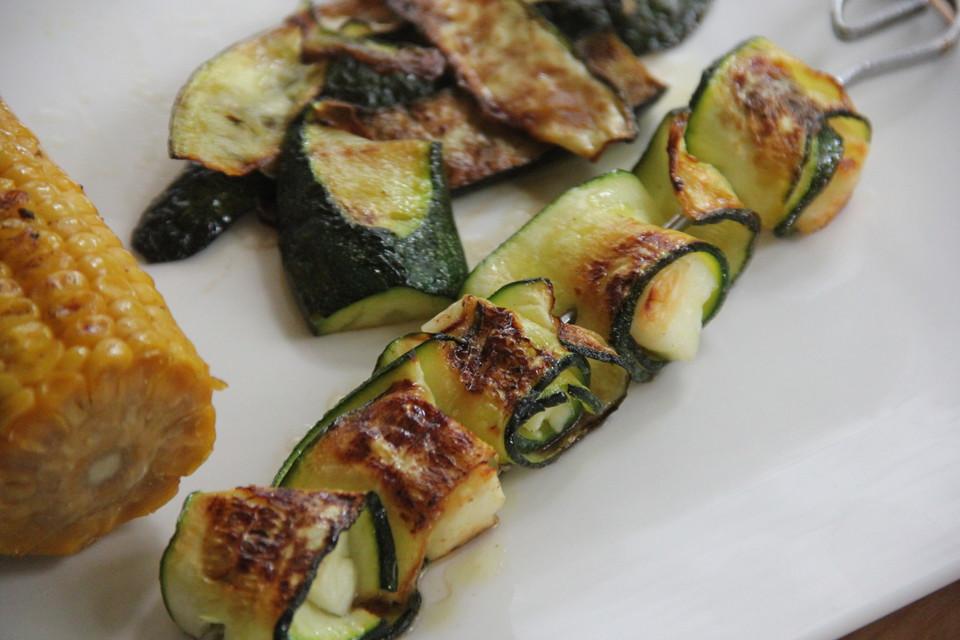 Rezept Zucchini-Halloumi Spieße