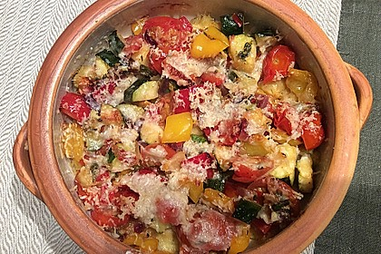 Rezeptbild zum Rezept Polentaauflauf mit mediterranem Gemüse