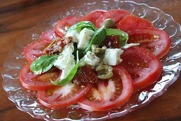 Tomaten-Carpaccio mit Mozzarella