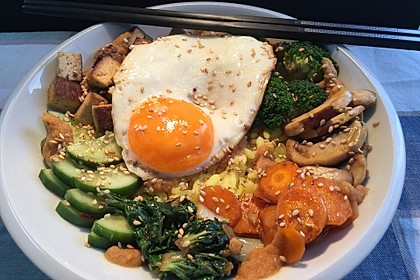 Rezeptbild zum Rezept Bibimbap-Bowl vegetarisch