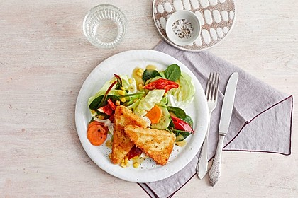 Rezeptbild zum Rezept Gebackener Feta auf gemischtem Salat mit Honigdressing