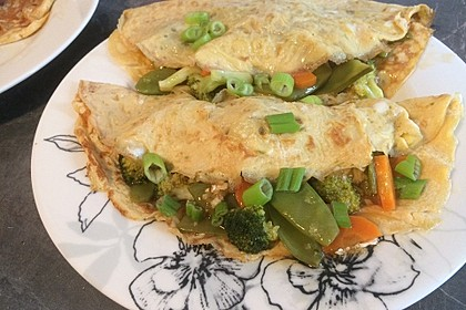 Rezeptbild zum Rezept Tamago-Style-Pfannkuchen mit süß-saurem Gemüse