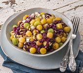 Gnocchi-Rotkohl-Salat mit Feta