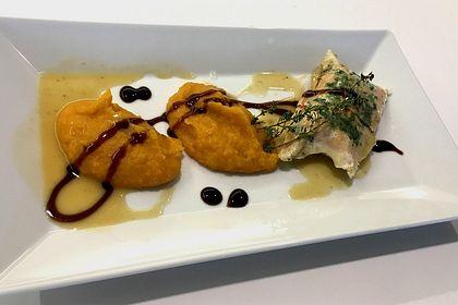 "Rezeptbild zum Rezept Lachsforelle auf Gemüsebett ""sous vide"" mit Süßkartoffelpüree"