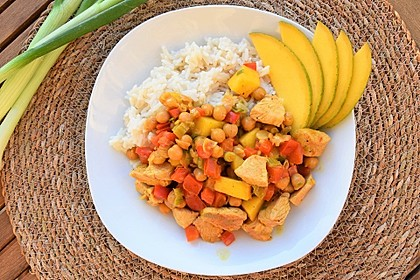Rezeptbild zum Rezept Kichererbsencurry mit Paprika und Mango