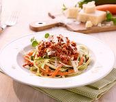 Gemüsenudeln mit Bolognese-Sauce