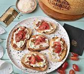 Crostini mit Creme aus Grana Padano Riserva