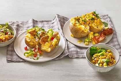 Rezeptbild zum Rezept Avocado-Mais-Salat mit Knusperspeck