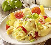 Nudelsalat mit Tortelloni und Mango
