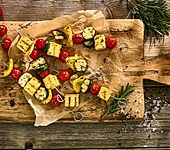 Ratatouille-Gemüse-Spieße mit Kräuterpolenta