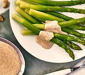 Vegane Cashew-Soße mit Spargel