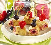 Vegane Pfannkuchen mit Fruchtfüllung