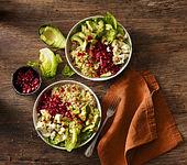 Reis-Salat mit Granatapfel und Avocado