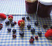 Erdbeer-Cranberry-Heidelbeer-Konfitüre