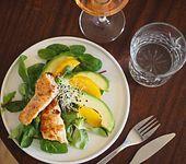 Avocado/Lachs-Salat mit Orangen und Rosévinaigrette