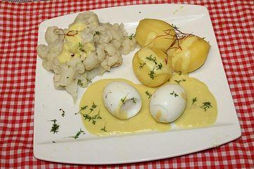 Senfeier mit Kartoffeln und Blumenkohl