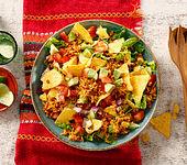 Crunchy mexikanischer Salat mit Avocado und Chili