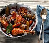 Hähnchenbrust und Hähnchenkeulen im Rotweinfond mit Schmorgemüse