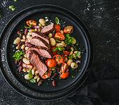 Bunter Bohnensalat mit Steak