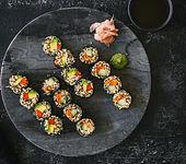 Vegetarisches Quinoa-Sushi