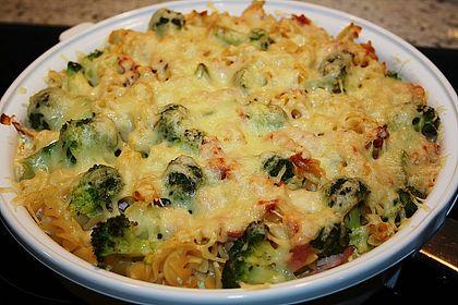 Rezeptbild zum Rezept Nudelauflauf mit Brokkoli und Schinken